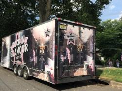 De Rocking Glamour truck voor al uw partijtjes. https://curiouslifebymarijn.wordpress.com/2015/07/29/een-girls-glamour-party-voor-een-7-jarig-meisje/
