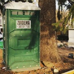 Een 'Hollandsche' dixi in een Amerikaanse buitenwijk