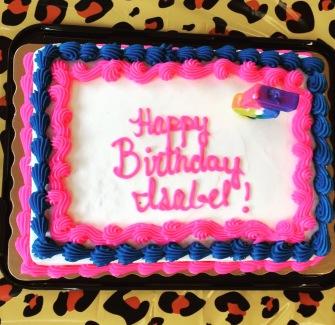 Verjaardagspartijtje inclusief lichtgevende taart en stuiterende kids